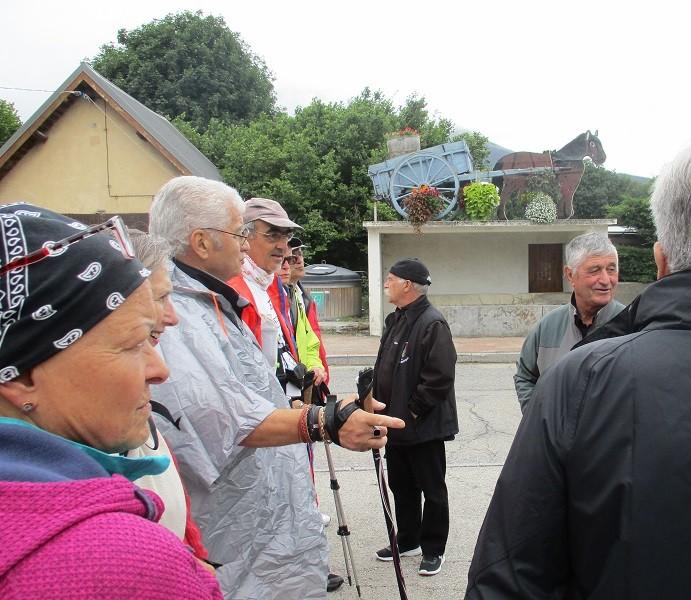 1 accueil de M Villard maire de Pierre Chatel
