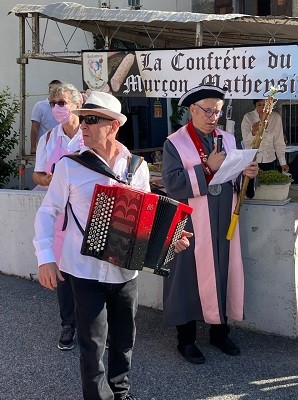 15 aout 02 defile 01 mairie 1 1