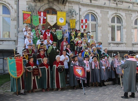 15 aout 02 defile 01 mairie 13 1