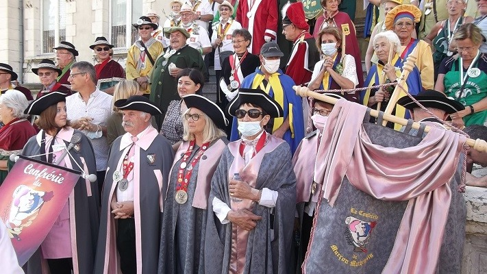 15 aout 02 defile 01 mairie 2 1